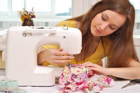maquina de coser en casa